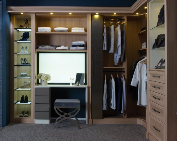 A Closet That Fits Women's Needs