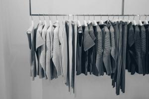 Walk-in Closet Organizers in Toronto to Make the Most of Your Hanging Space